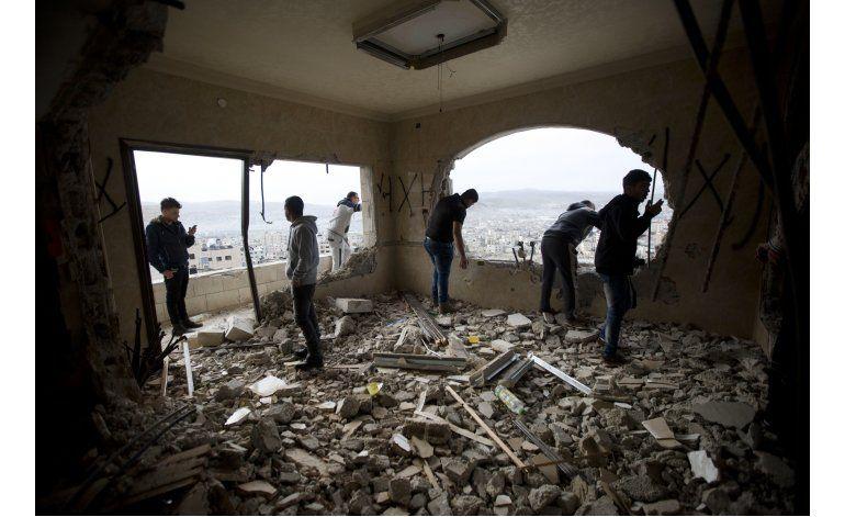 Israel halla material explosivo en carga para Gaza
