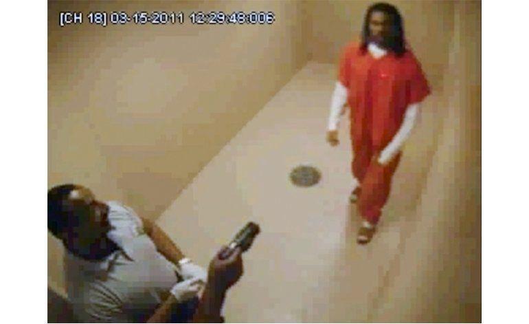 Video muestra a reo aturdido con pistola antes de morir