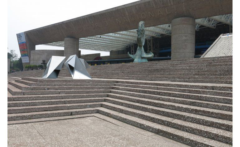 México celebra a González de León por su cumpleaños 90