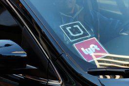 continua la guerra entre taxistas y las companias de uber y lyft