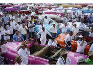 chanel hace desfile en la habana alejado de la poblacion