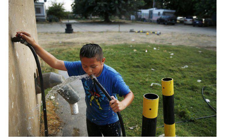 Combaten agua con uranio en viviendas de California