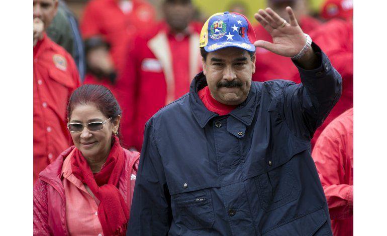 Maduro dice que demandará por cada firma falsa detectada