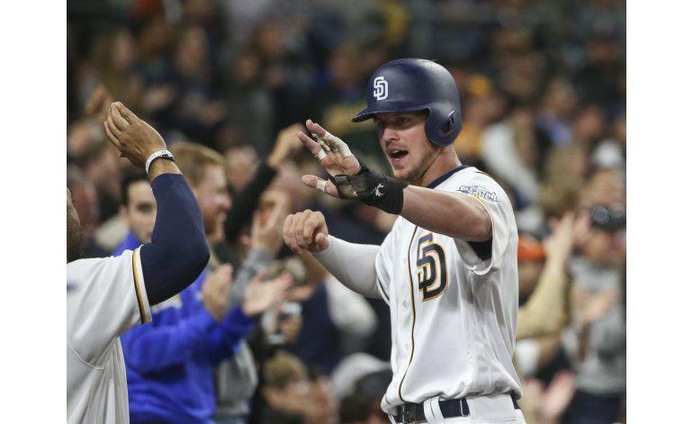 Kemp, Wallace impulsan a Padres en victoria sobre Rockies