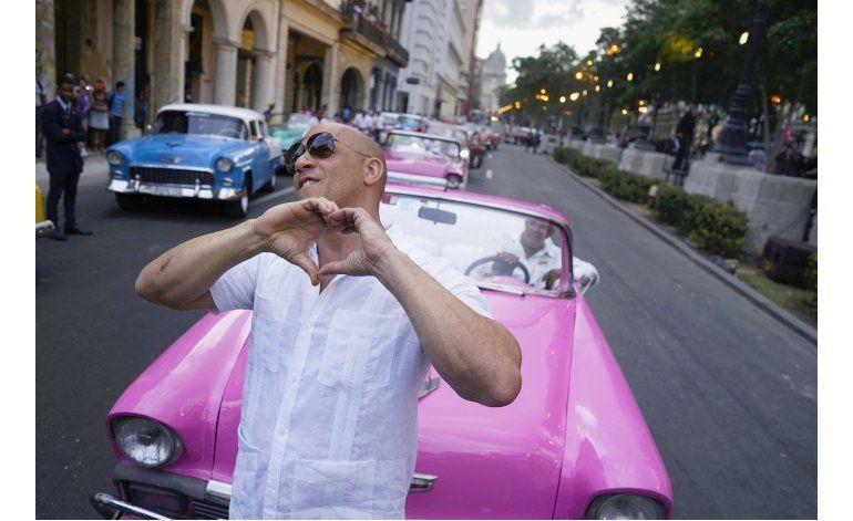 Chanel hace desfile en La Habana alejado de la población