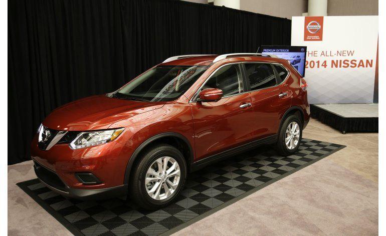 Nissan retira 108.000 Rogue por defecto en portezuela