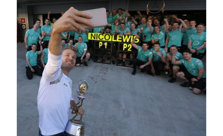 Mercedes asegura que no favorece a Rosberg
