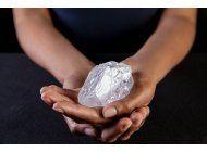 subastaran diamante de tamano de pelota de tenis en londres