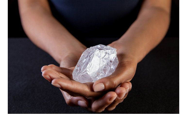 Subastarán diamante de tamaño de pelota de tenis en Londres