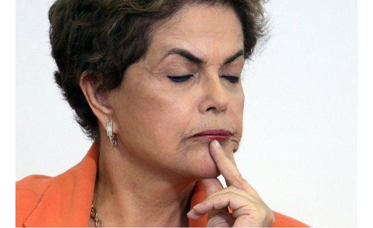 Senador recomienda enjuiciar a Rousseff