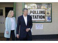 britanicos votan en eleccion local, posible reves laborista