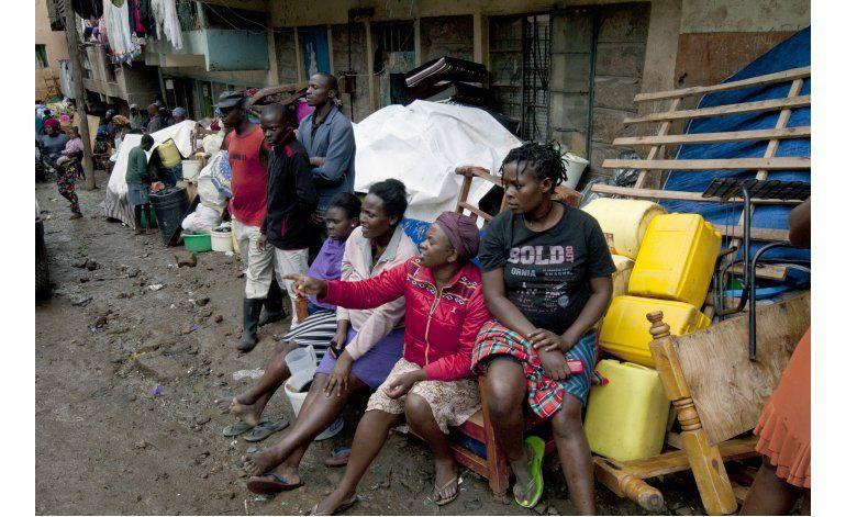 Rescatan a mujer atrapada seis días tras derrumbe en Kenia