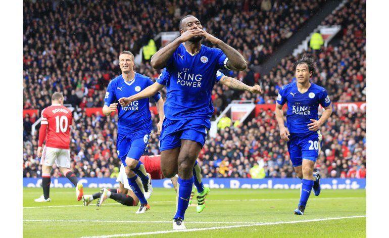 Leicester se apresta a celebrar cetro con hinchas