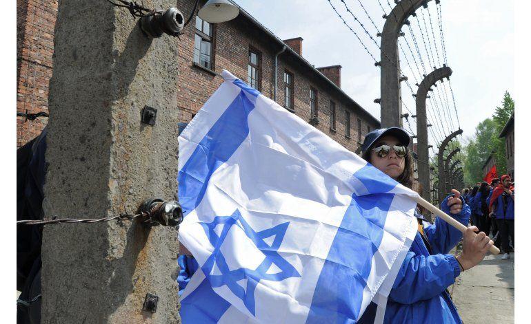 Marcha en Auschwitz en honor a víctimas del Holocausto