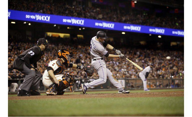 Rockies anotan 13 veces en 5to inning, aplastan a Gigantes