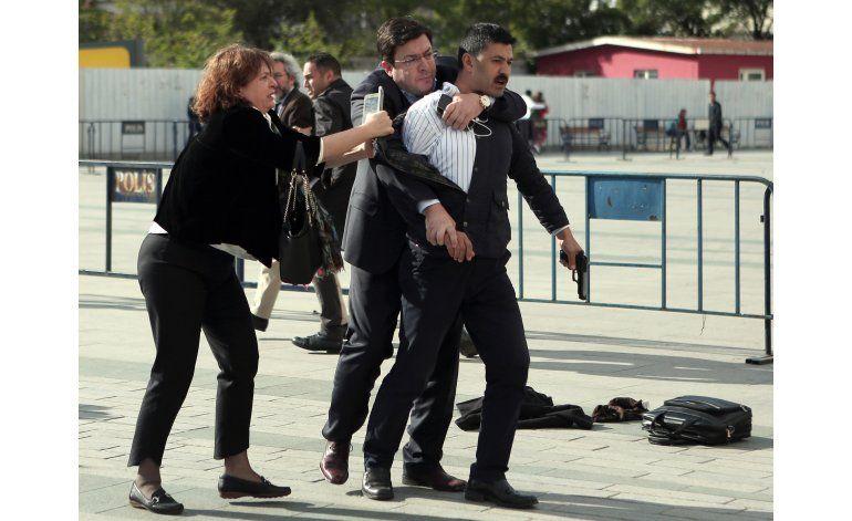 Detienen a hombre que dispara contra periodista en Turquía