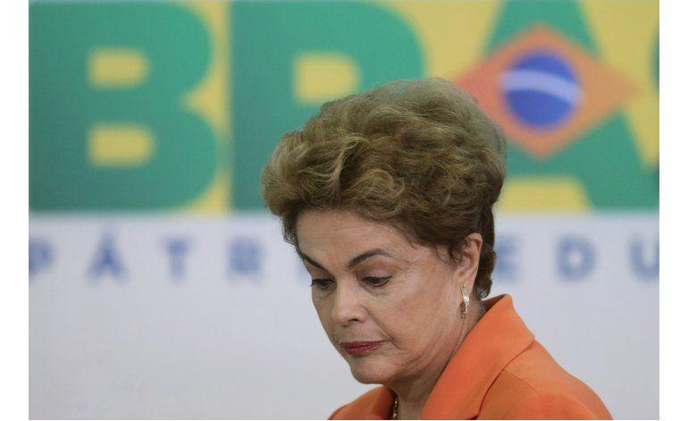 Comité del Senado vota a favor de suspender a Rousseff