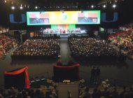 universidad de miami se viste de gala para la graduacion de miles de estudiantes