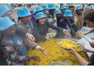 multimillonario chino paga cena de 8 mdd a empleados