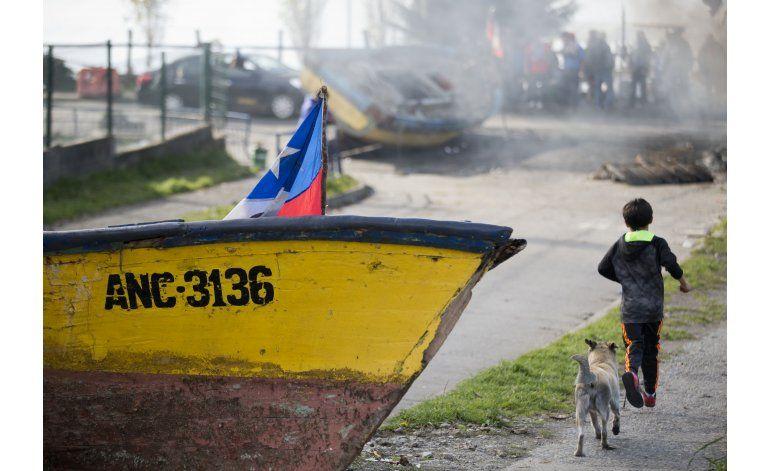 Pescadores chilenos rechazan bono y siguen protestas