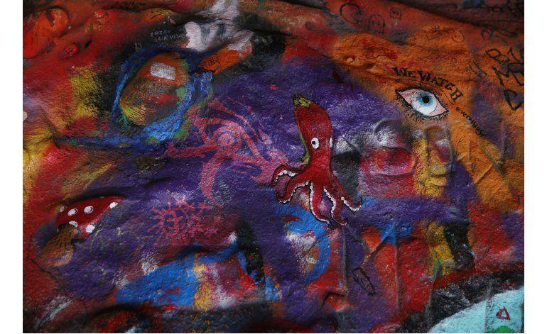 Cierran caverna ligada a The Doors por exceso de grafiti
