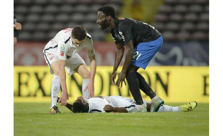 Muere un futbolista en Rumania tras desmayarse en el campo