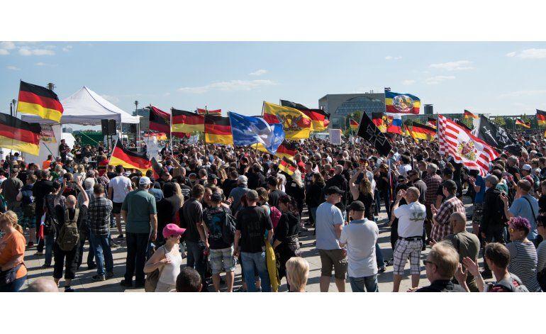 Alemania: Ultraderecha marcha contra políticas de migración