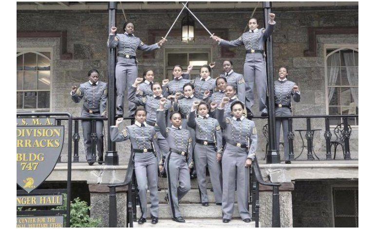 West Point investiga polémica foto de mujeres cadetes