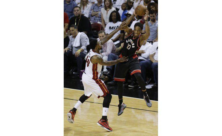 Lowry rescata a los Raptors en victoria ante Miami