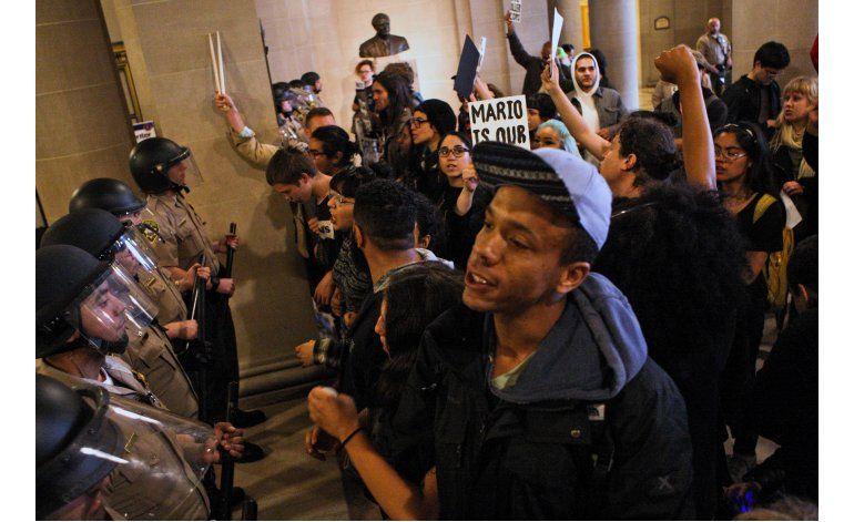 Exigen cese de jefe policial de San Francisco; detienen a 33
