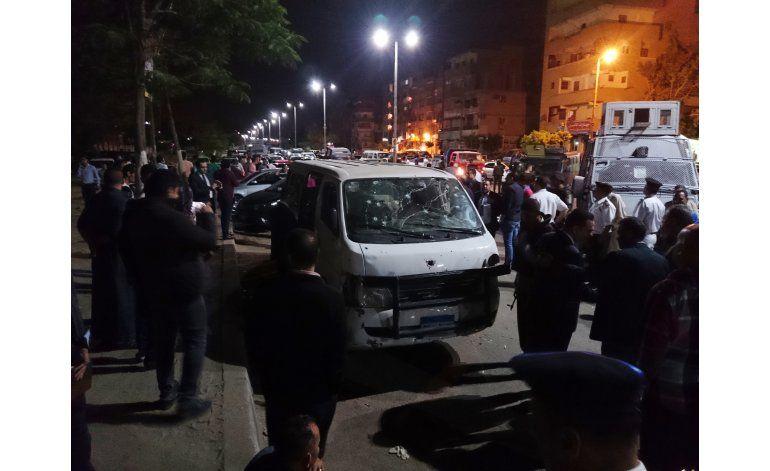 Baleados ocho policías egipcios a las afueras de El Cairo