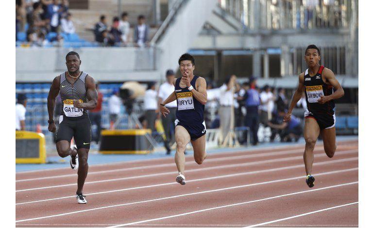 Gatlin gana fácilmente los 100 metros en la Golden League