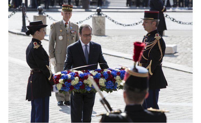 Presidente francés lidera conmemoración por fin de la IIGM