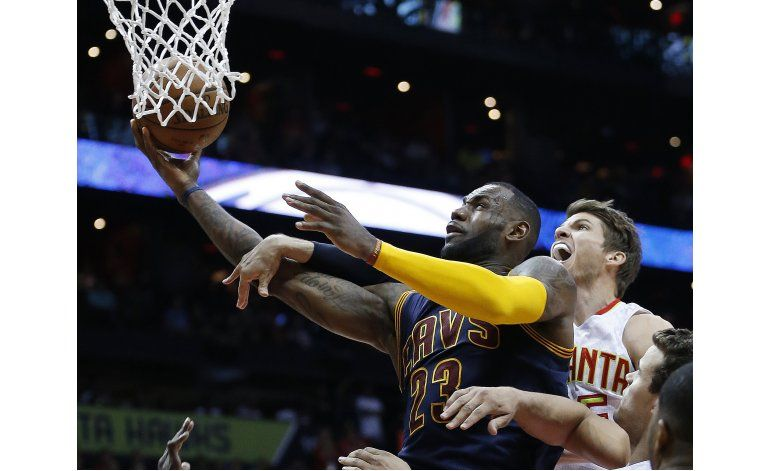 Cavs propinan otra barrida en playoffs