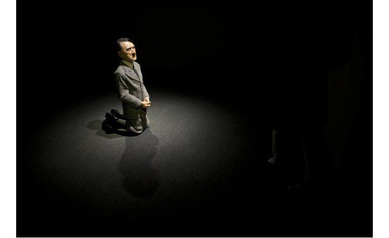 Christies subasta estatua de Hitler hincado
