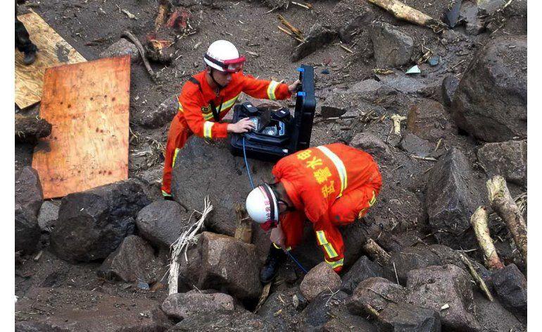 China: 10 muertos tras deslave, hay 31 obreros desaparecidos