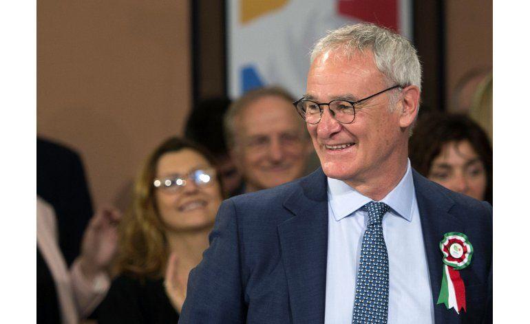 Ranieri recibe el premio al mejor técnico italiano