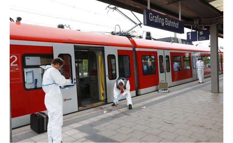 Alemania: 1 muerto, 3 heridos en ataque en estación de tren