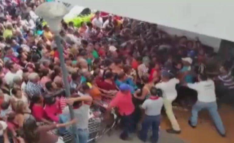 Vuelven los saqueos a Venezuela en medio de la peor crisis de desabastecimiento