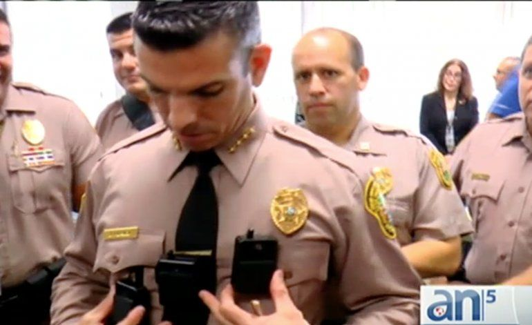 Policías de Miami Dade ya comenzaron a utilizar las cámaras en los uniformes