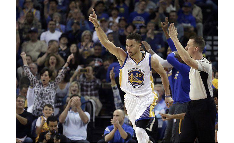 Curry es elegido el Más Valioso de NBA por 2do año seguido