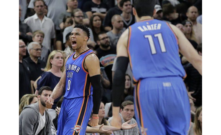 Westbrook y Thunder ponen a Spurs contra la pared