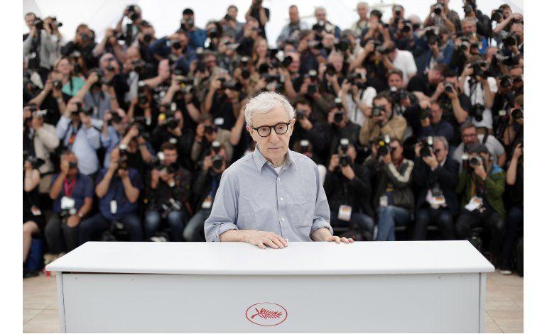 Allen inaugura Cannes; su hijo restablece alegatos de abuso