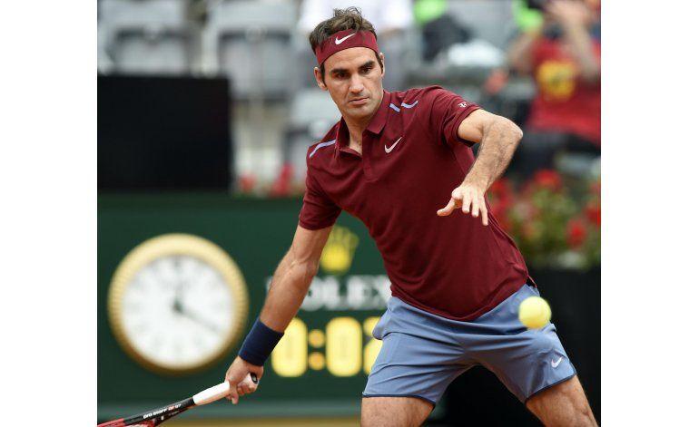 Federer, Djokovic y Nadal avanzan en Abierto de Italia