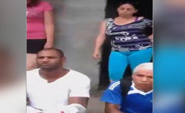 Grupo de cubanos continúa varado en una peligrosa zona de frontera de Colombia- Panamá