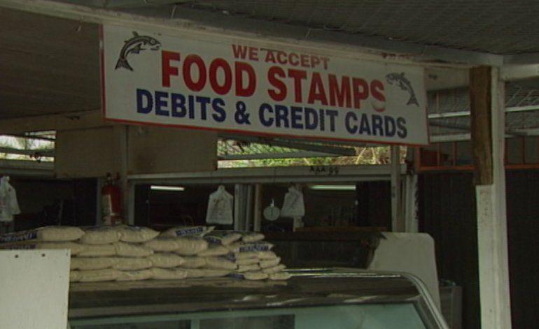 Operativo en pulguero de Opa-locka por fraude al programa de Food Stamps
