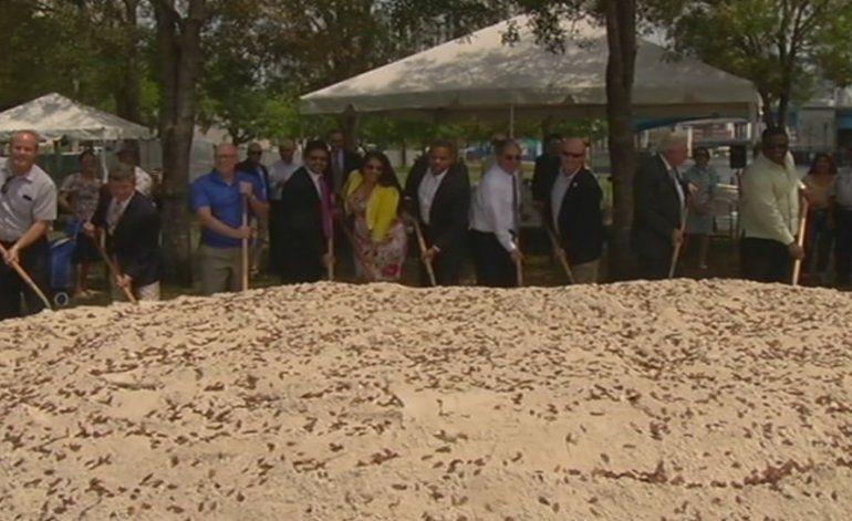 Anuncian proyecto de construcción de un malecón en el rio de Miami