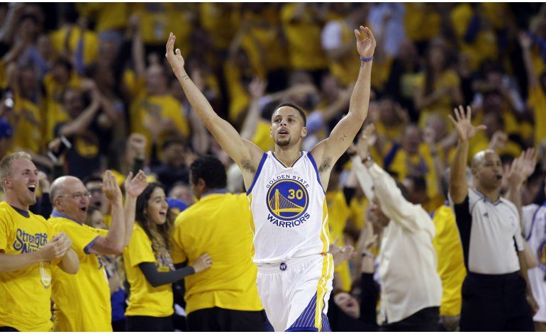 Curry y Thompson llevan a los Warriors a la final del Oeste