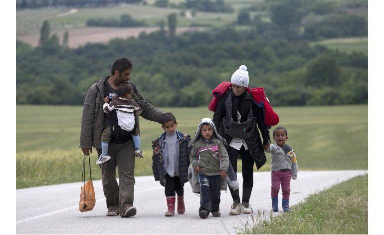 LO ULTIMO: 28 refugiados llegan a Eslovenia en plan de UE