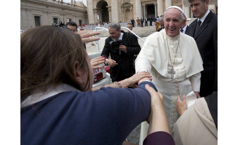 El papa, abierto a idea de diaconesas en Iglesia católica